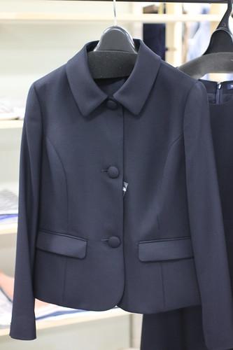 ママ用紺のお受験スーツ