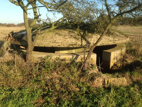 Oakington Pillbox Kings Cliffe Dec 2014