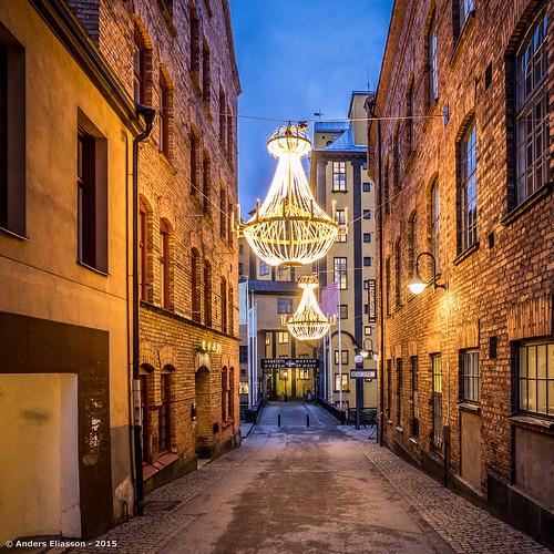 blue sky color bricks chandelier sverige norrköping östergötlandslän olympusomdem1 olympus1240mmf28mft