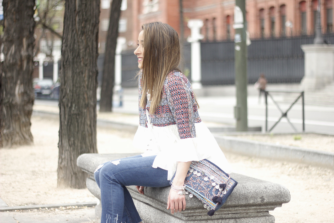embroidered jacket jeans heels accesories spring style fashion outfit02
