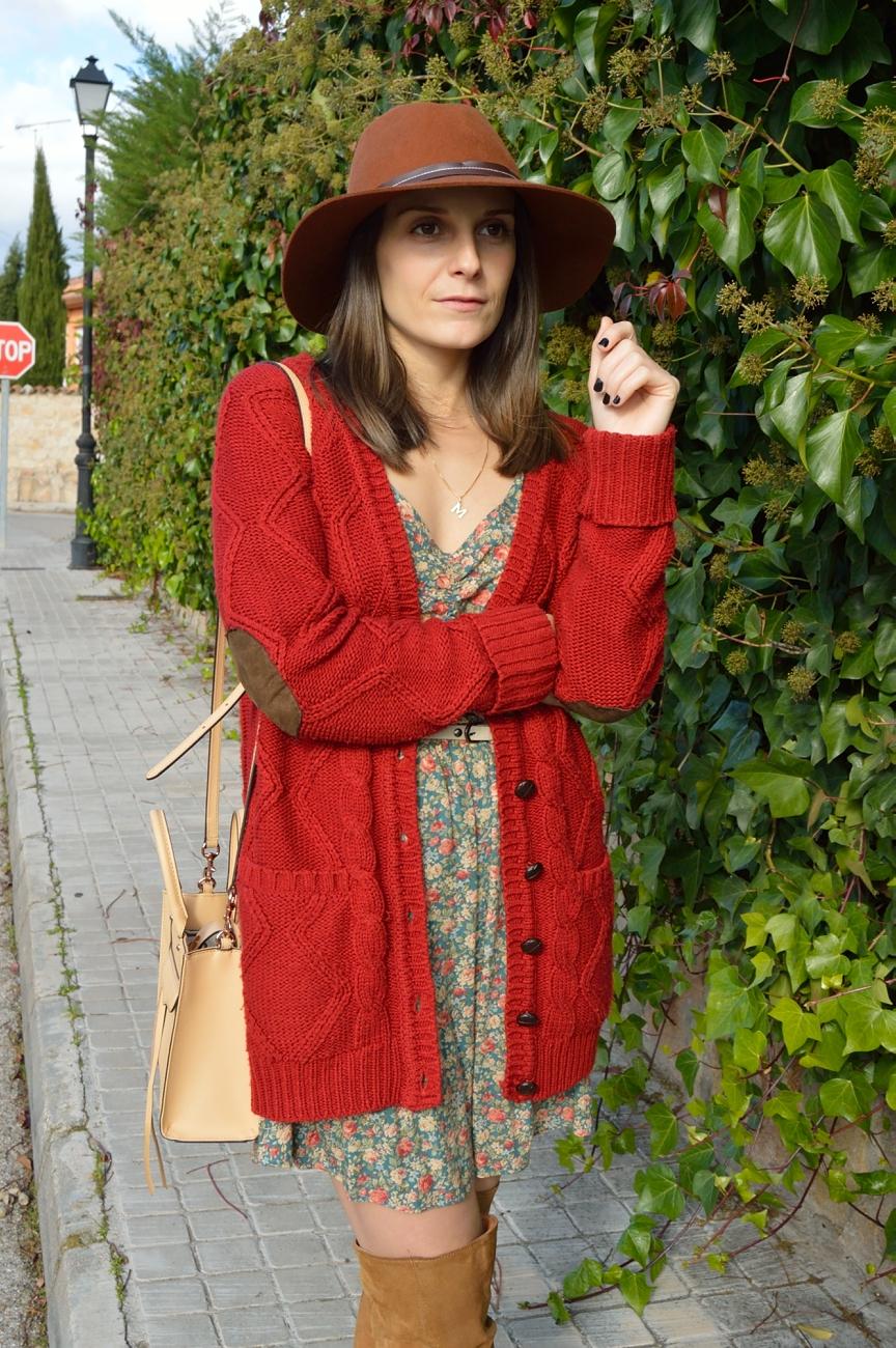 lara-vazquez-mad-lula-style-flowers-cardigan-fall-season