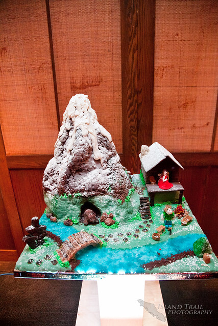 Gingerbread Display - 2014.12.19-9461