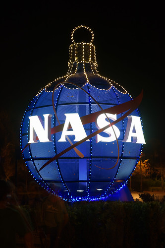 christmas lights ornaments kennedyspacecenter nasameatball rawtherapee sigma1835mmf18dchsm