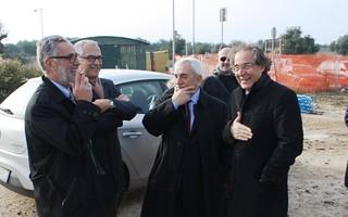 2011 - La posa della pietra al porto e gli elogi di Bovino a Fusillo