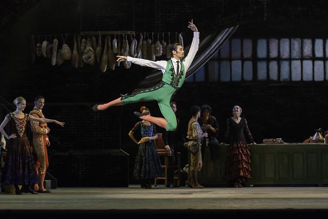 Ryoichi Hirano as Espada and members of The Royal Ballet in Don Quixote © ROH.Johan Persson 2013