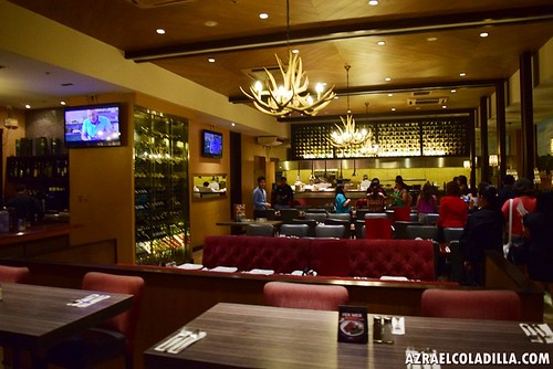 Village Tavern restaurant Bonifacio High Street BGC Food Crawl Adventure (1)