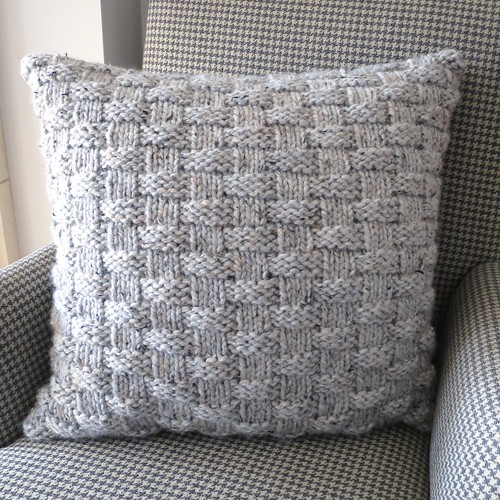 Iron Craft '14 Challenge #23 - Knit Basket Weave Pillow