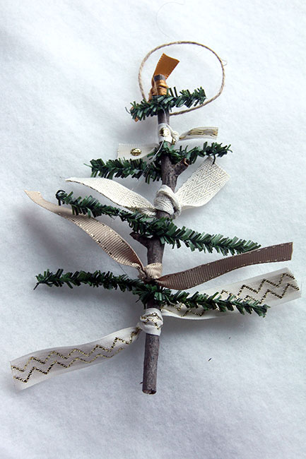 Pine-and-Ribbon-on-White