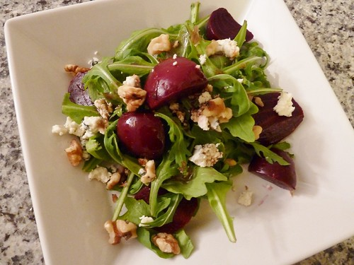 Beet Salad with Arugula, Blue Cheese and Walnuts