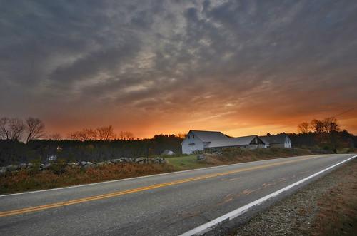 farmhouse sunrise dawn farm newhampshire daybreak danforgetphotography
