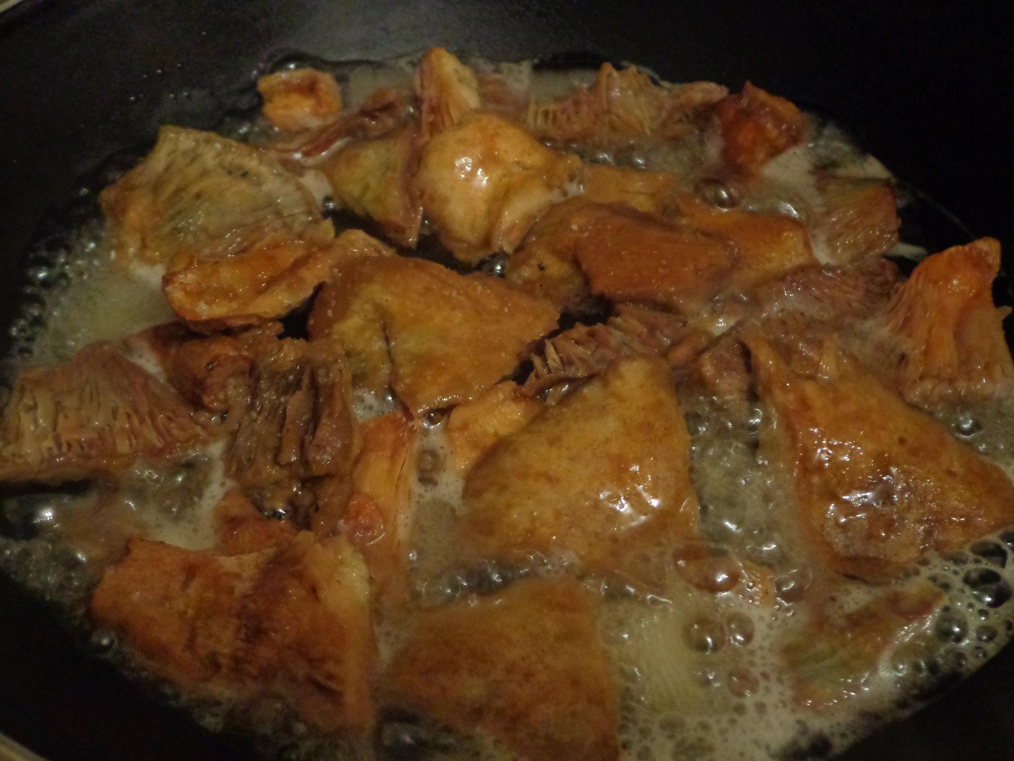 Τηγάνισμα, μαγείρεμα των Μανίτων