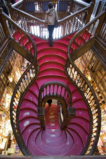 Escadaria Livraria Lello, Porto