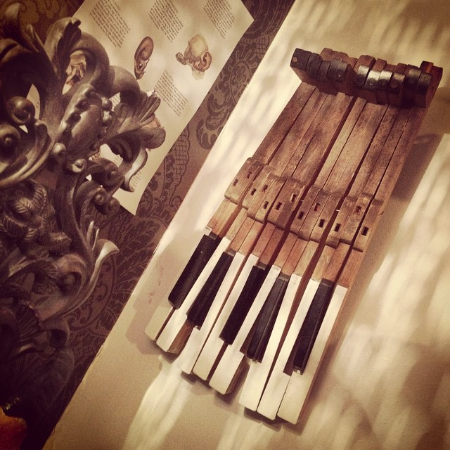 Wanting to use these to make some kid of instrument...someday....when I can think of something. But for now they're going on the wall. #piano #keys #pianoforte #keyboard #pianist #studio #musicstudio