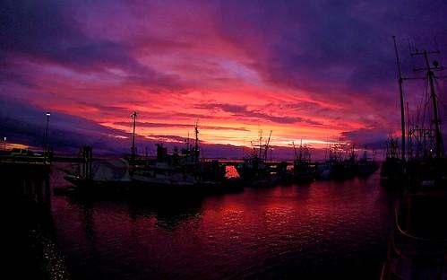 sunset canada port docks reflections landscape harbor boat fishing pentax harbour britishcolumbia richmond fisheye fraserriver steveston stevestonharbour k10d nigeldawson smcpentaxda1017mmf3545fisheyeedif jasbond007 copyrightnigeldawson2011