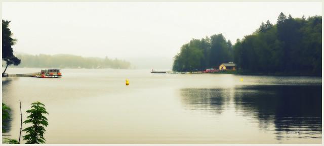 Ce jour là un voile brumeux enveloppait le lac...........(lac des Settons Morvan)