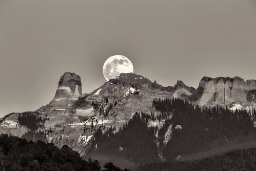 mountains rockymountains blackandwhite monochrome moon landscape mist canon eos 6d travel trees nature tamronsp150600mmf563 sky cliff peak exploring explorer