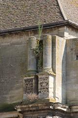 Colonne corinthienne de la tour Sud