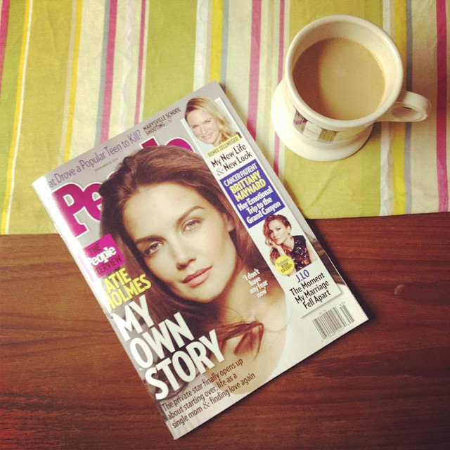 Yesterday's blog post was about my favorite coffee replacements (link in profile) but I think we can all agree that just about anything tastes good when you get drink it while reading @peoplemag