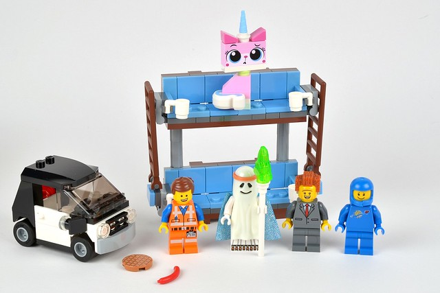 70818: Double-Decker Couch