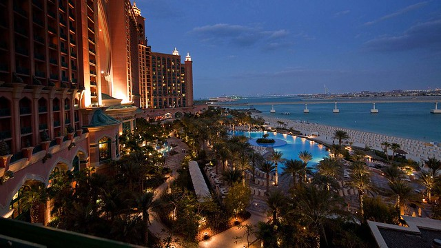 Atlantis The Palm, evening view, pool