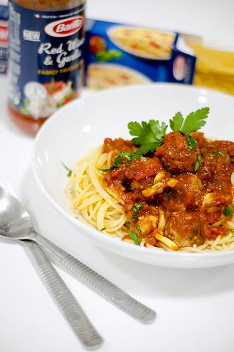 Red Wine Garlic Meatballs Spaghetti