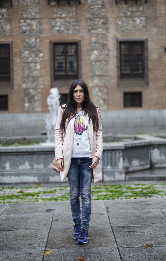 street style barbara crespo pink she inside she insider coat pepe jeans adidas sneakers fashion blogger outfit blog de moda