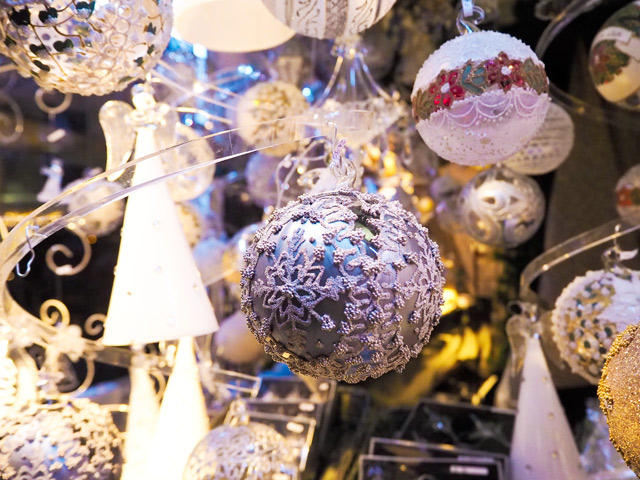 Christmas markets in Vienna with Olympus Pen generation