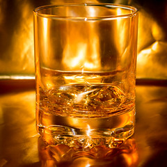alcohol, old fashioned glass, yellow, whisky, drinkware, distilled beverage, liqueur, glass, alcoholic beverage,