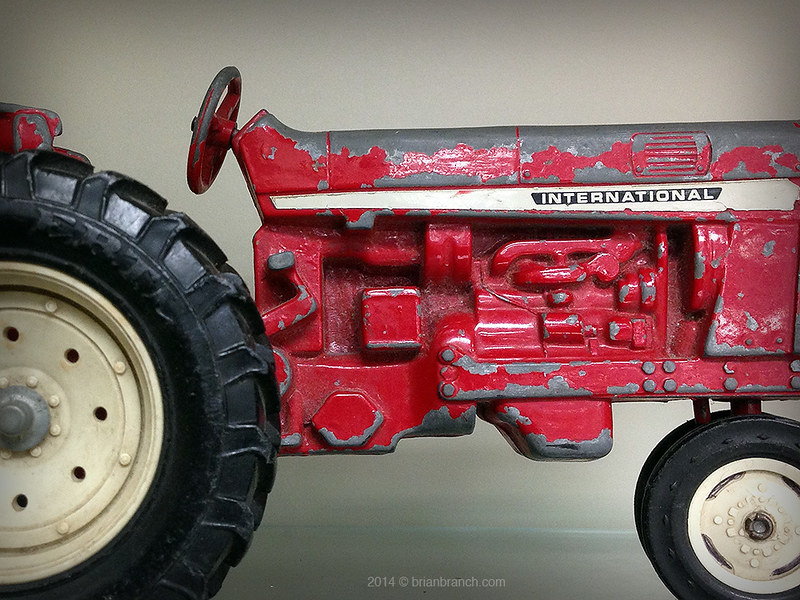 IMG_5704_toy_tractor