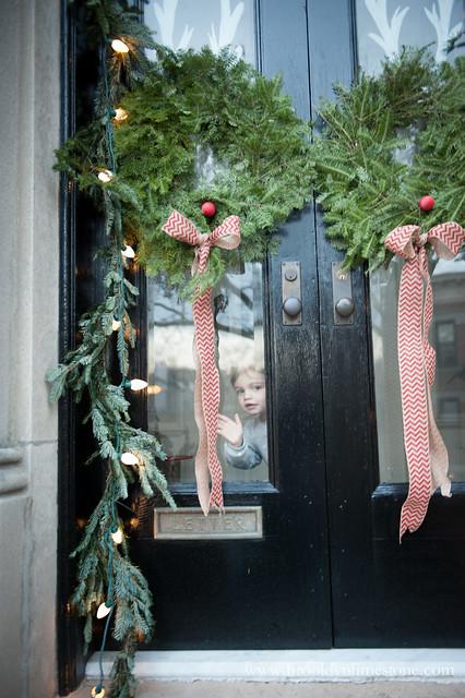 ChristmasStoop_BrooklynLimestone (10 of 14)