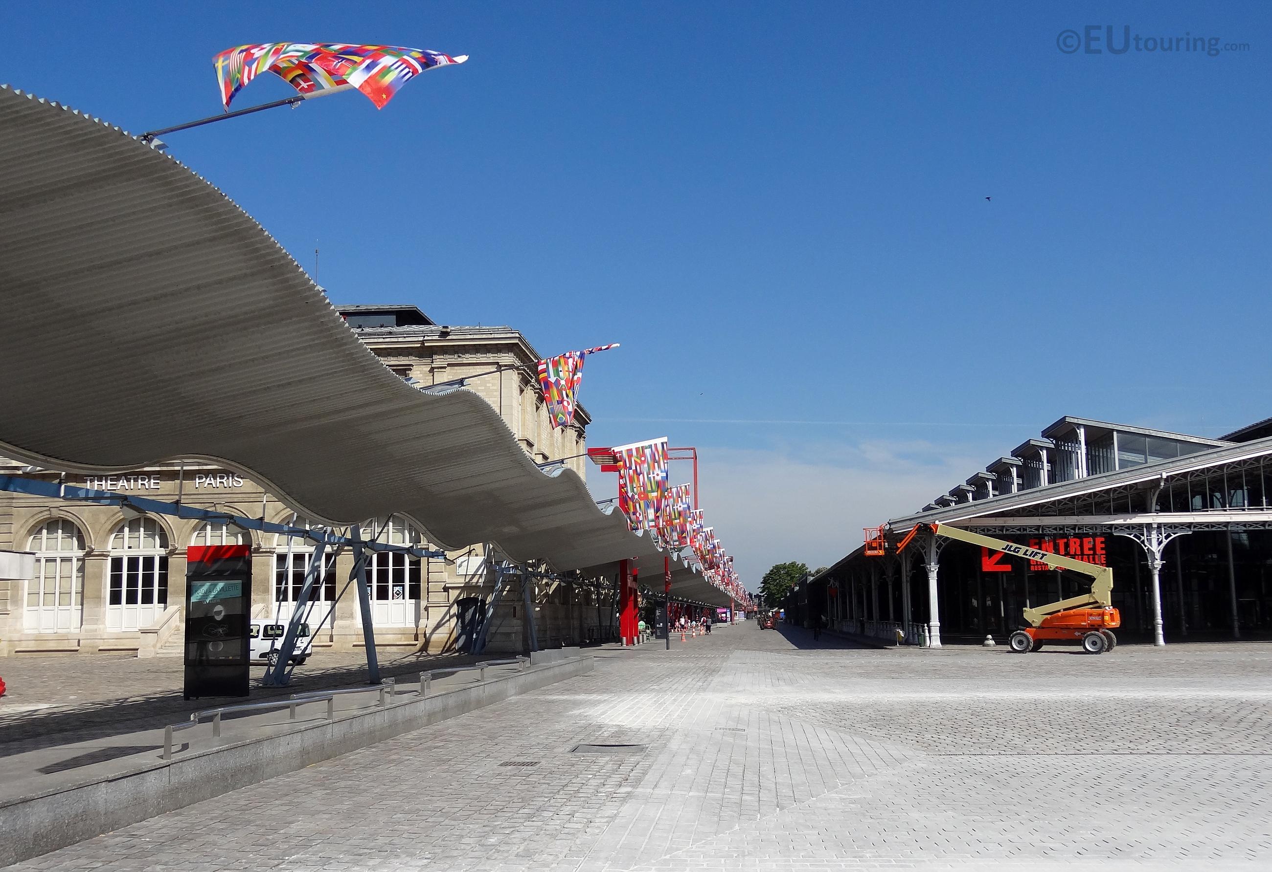 Galerie de la Villette and flags