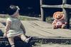 E aquele apego pelo ursinho?!! 😍😍 >>> Ative sua máquina do tempo <<< #hardphotographia #hard2016 #ativesuamaquinadotempo #fotografiaurbana #foto #fotografia #instafoto #manu #saopaulo #crianca #felicidade #bear #menina #activateyourt