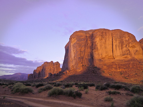 monumentvalley utah navajo indian americanindian viewhotel sunrise color nature photographerspoint paintbox mountain sand magical light