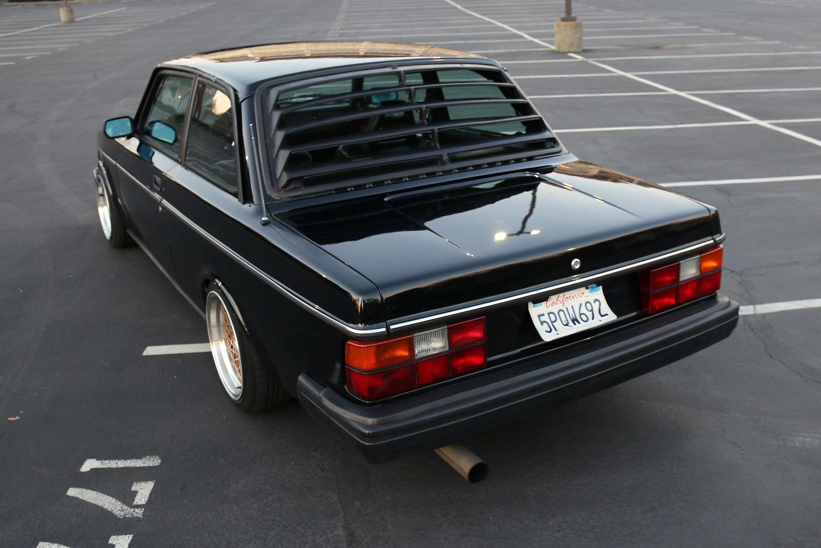 Volvo 242 '80s style