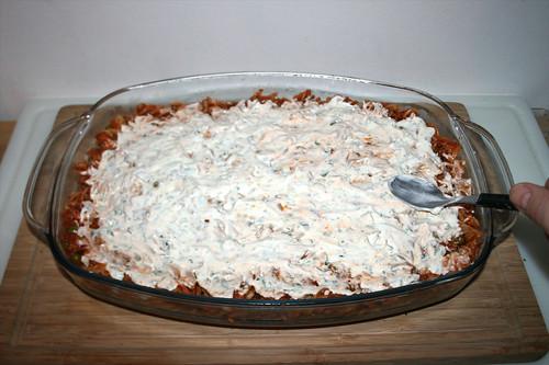 47 - Mit Schmand bestreichen / Spread with sour cream