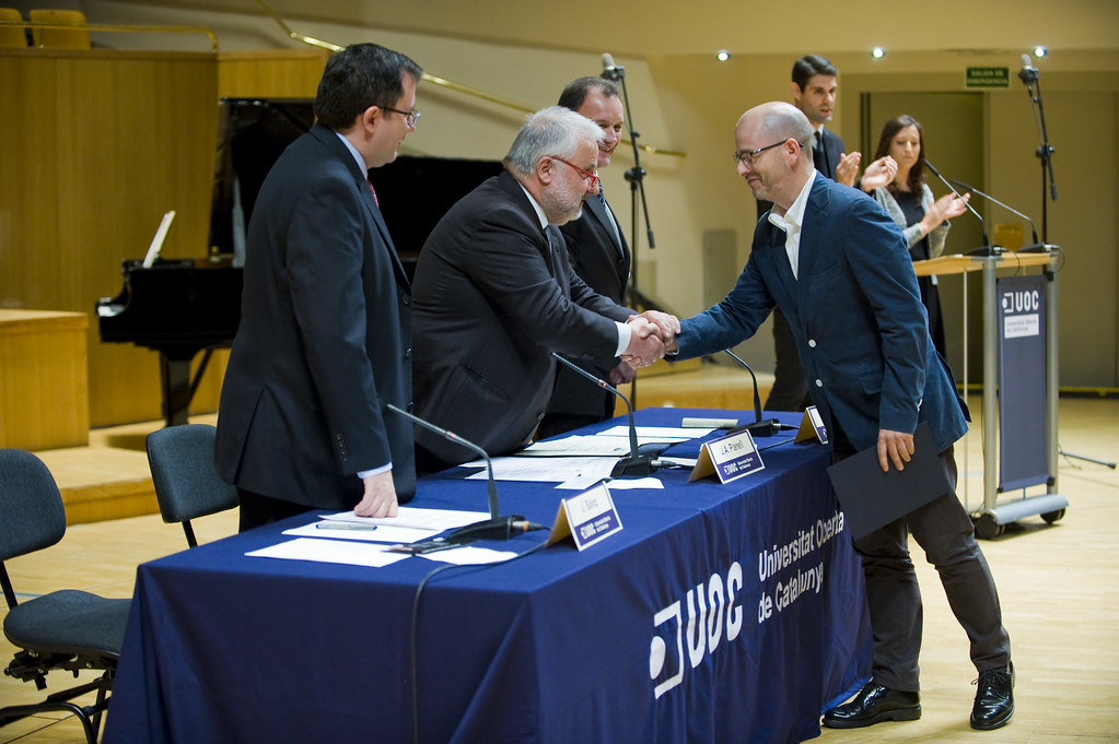 Graduació UOC curs 2013-2014