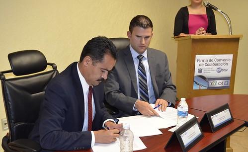 SSPE y OnStar firman convenio para fortalecer la seguridad en SLP