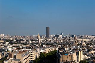 Vue sur la Tour Montparnasse depuis le sommet de l'Arc de Triomphe