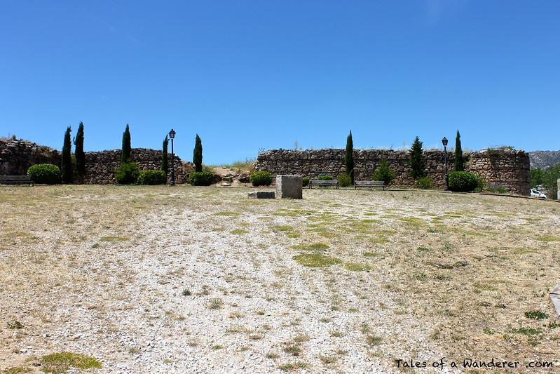 MANZANARES EL REAL - Castillo viejo