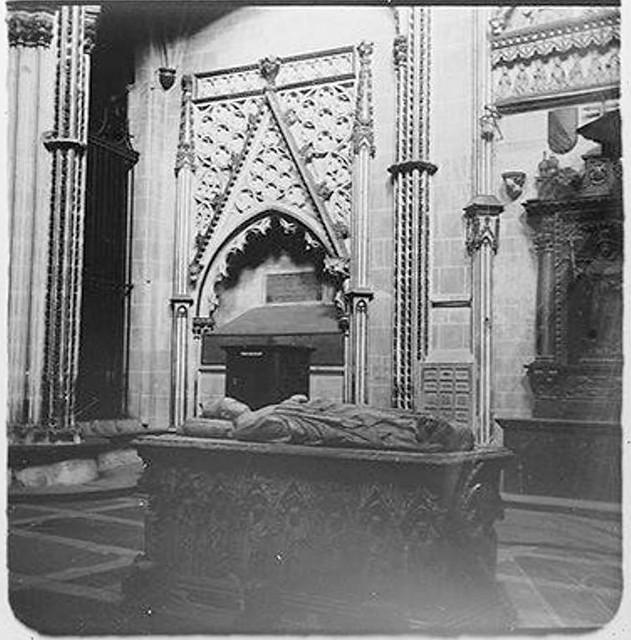 Capilla de San Ildefonso en 1904. Fotografía de Augusto T. Arcimis © Fototeca del IPCE, MECD. Signatura ARC-0745_P