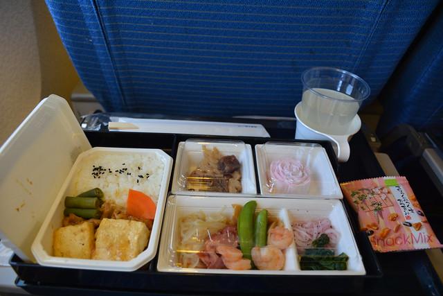 NH1084飛機餐