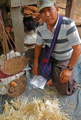 Man Selling Green Onion Roots at the Inle Lake Market (Myanmar)