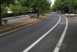 Buffered bike lanes NE 15/16th