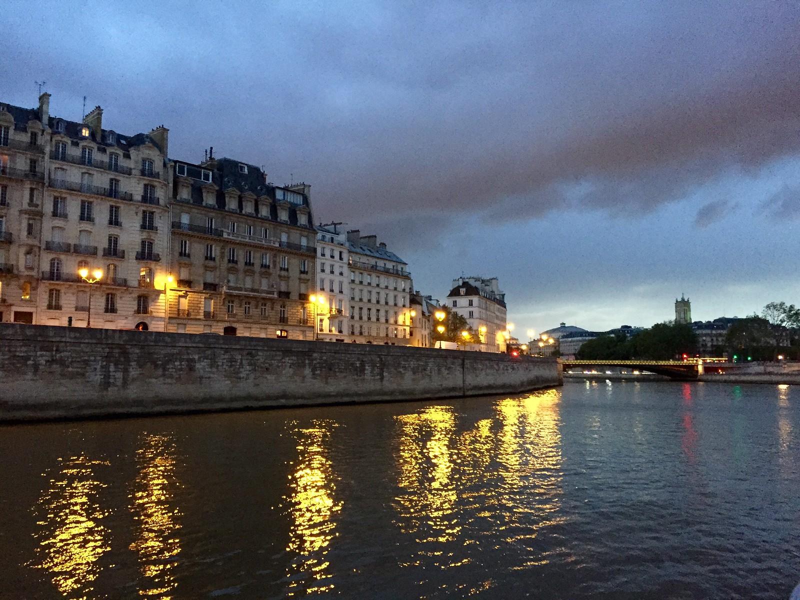 Urban Scene_A Li_Paris, France
