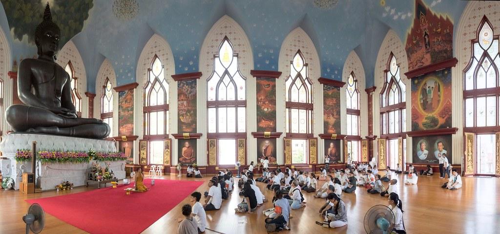 ภาพรวมผู้เข้าอบรมทุกคนในโบสถ์วัดธรรมมงคล