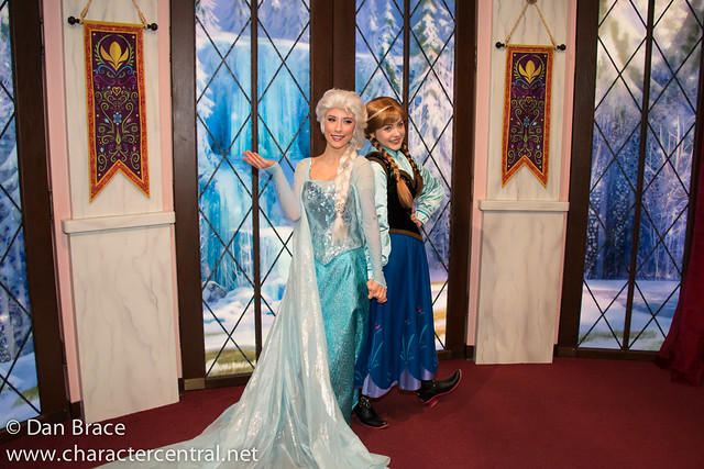 Meeting Elsa and Anna