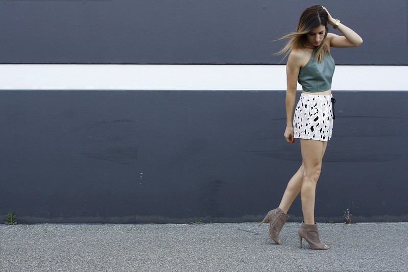 fashion post with Zara shorts and dorothy perkins blazer