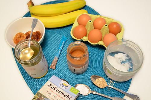 ingredientes para la receta de banana bread paleo