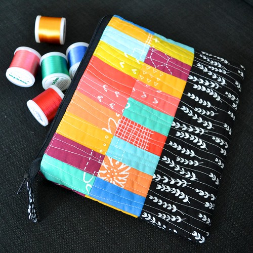 Scrappy stitching pouch