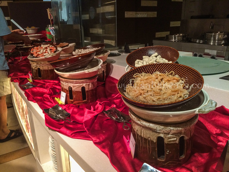 Four Points by Sheraton Sandakan Steamboat buffet